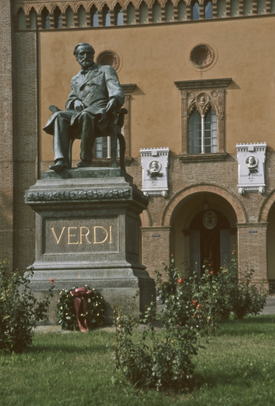 Monumento G Verdi a04942 - Camillo - Busseto (PR)