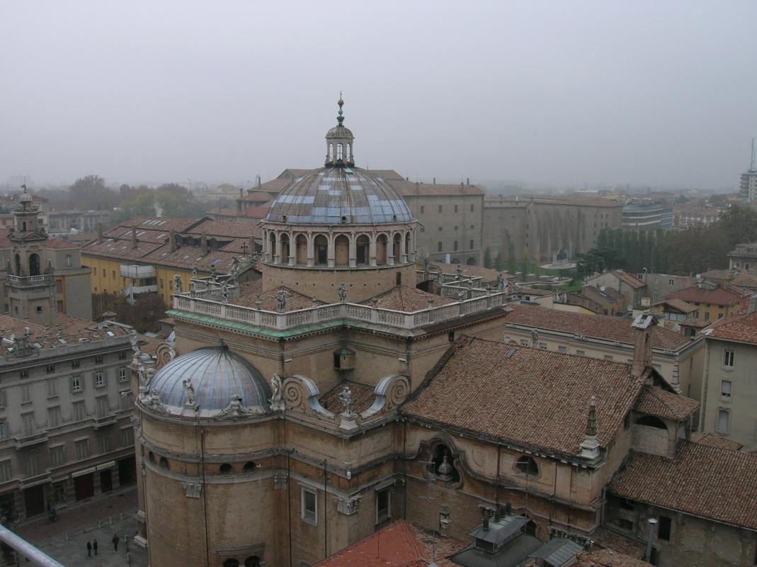 Parma, Santa Maria della Steccata vista dal palazzo del Governatore - Brdlgu - Parma (PR)