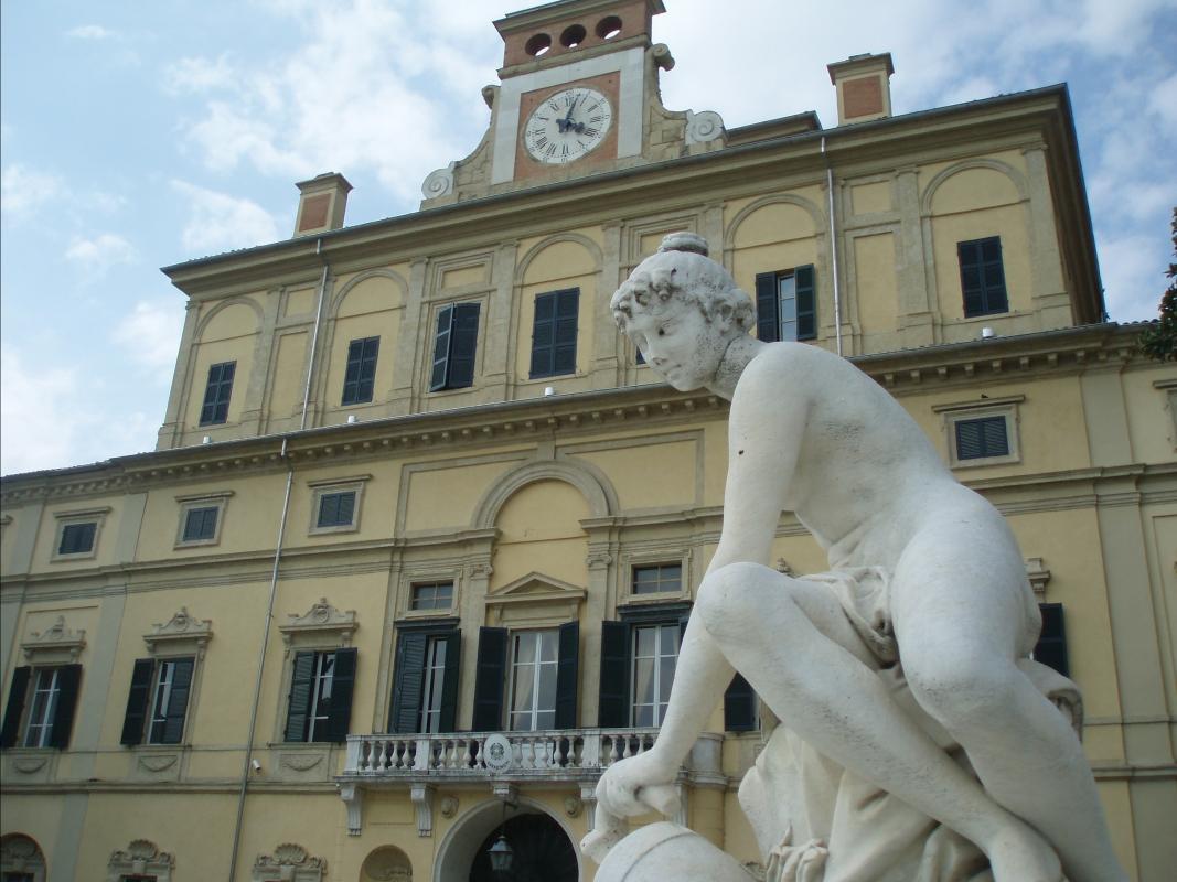 Palazzo Ducale di Parma con Statua - Marcogiulio - Parma (PR)