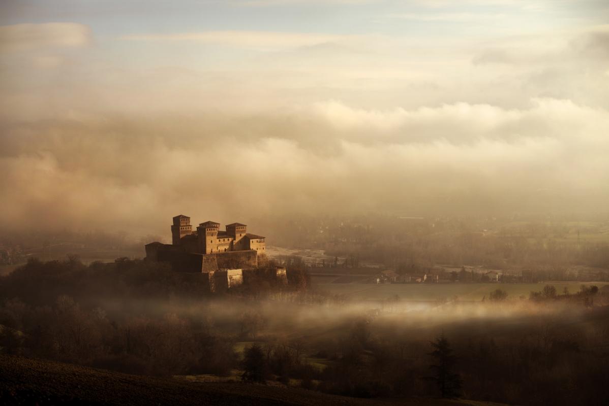 Nebbia e sogni in eclissi - Lara zanarini - Langhirano (PR)