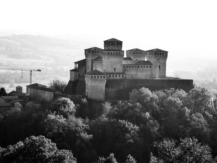 Castello di Torrechiara - tra le mura del passato- - Virginiasicuri - Langhirano (PR)