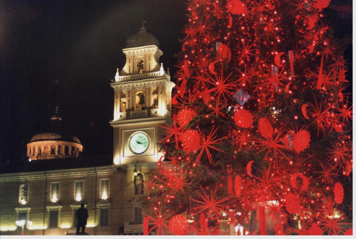 ID 034027623 Palazzo del Governatore Parma a Natale - Manuparma - Parma (PR)