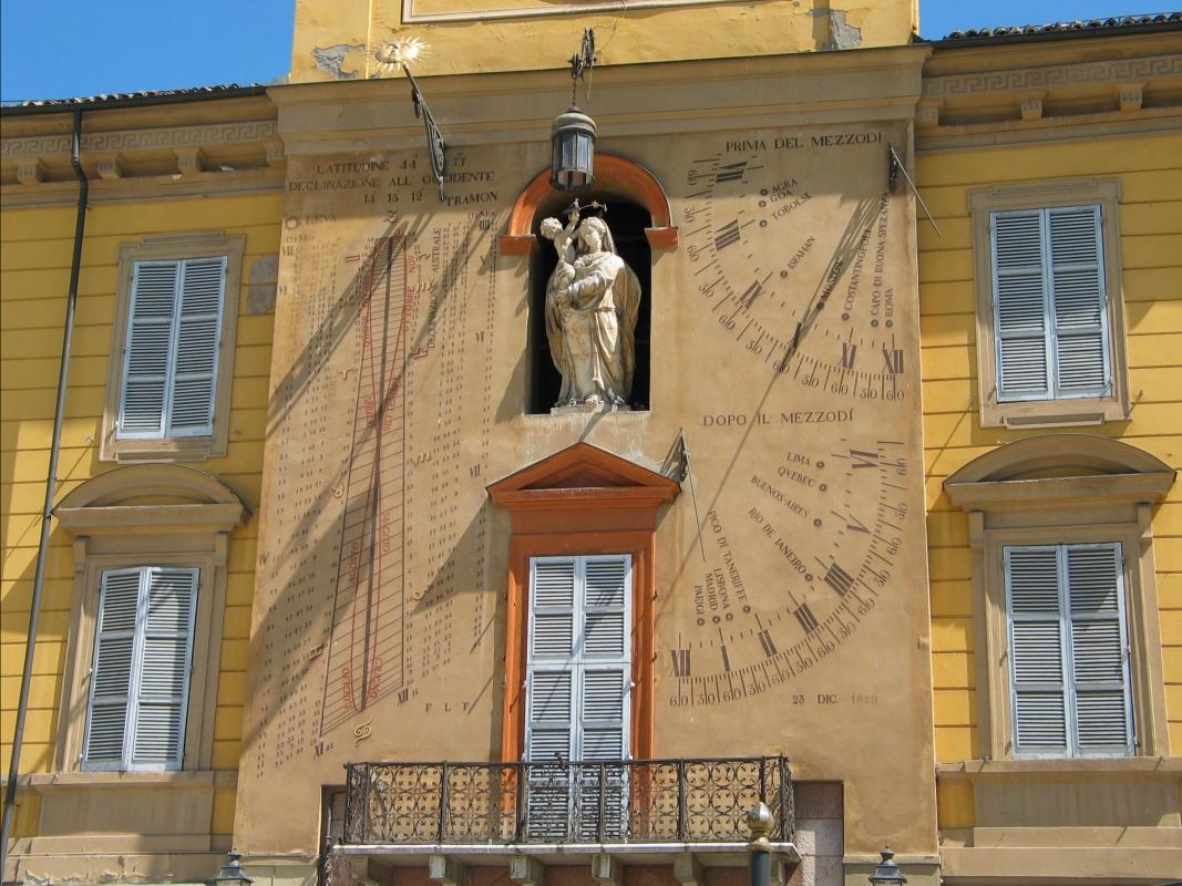 Clessidra del Palazzo del Governatore in Piazza Garibaldi a Parma - Carloferrari - Parma (PR)