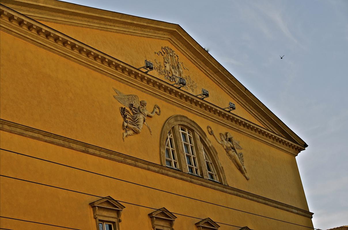 Vista superiore facciata teatro Regio - Caba2011 - Parma (PR)