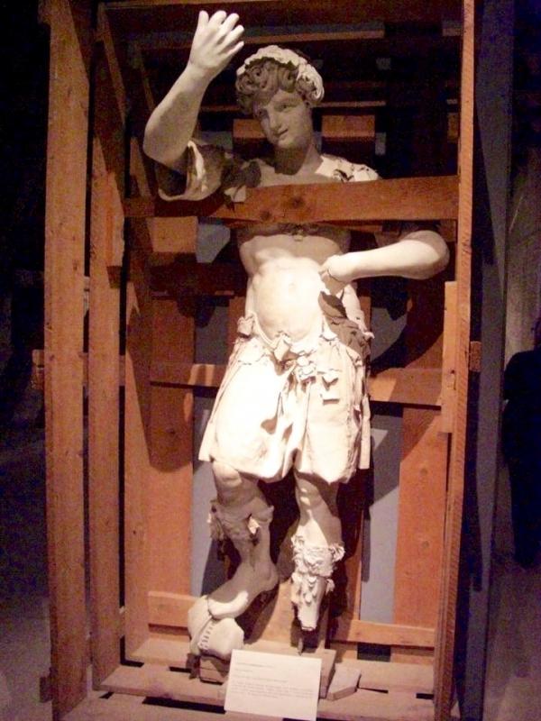 """Teatro Farnese """"Liberatemi"""" - Clawsb - Parma (PR)"""