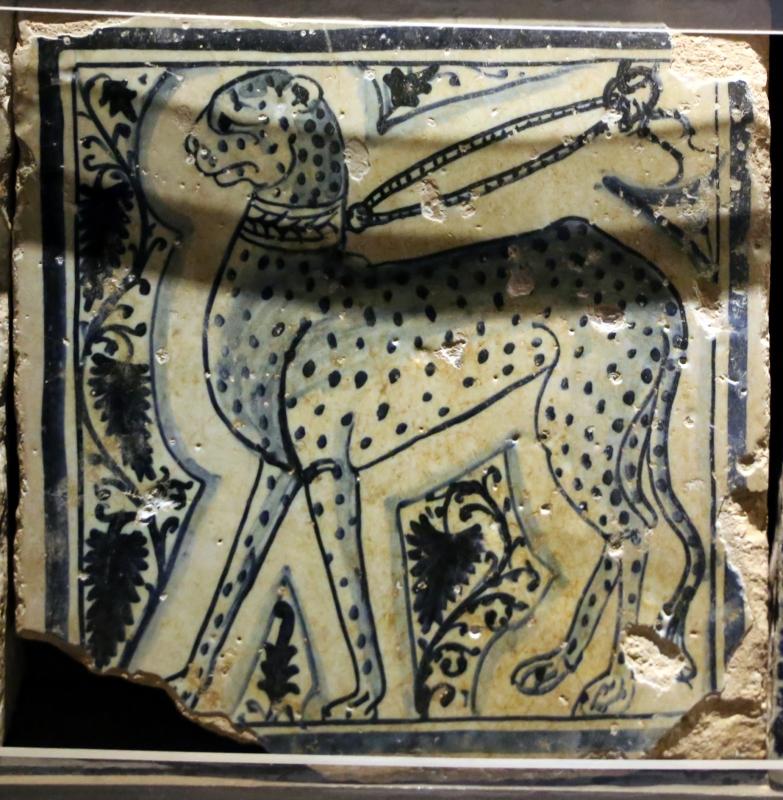 Bottega pesarese, pavimento maiolicato dal monastero di san paolo a parma, 1470-82 ca., leopardo al guinzaglio - Sailko - Parma (PR)