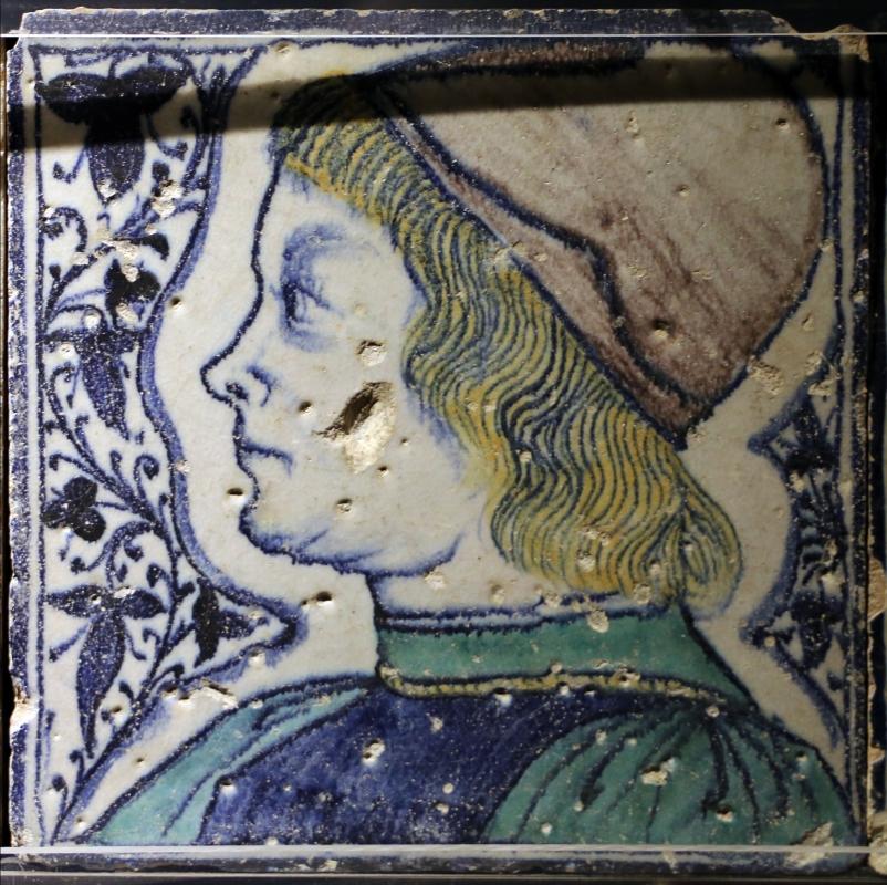 Bottega pesarese, pavimento maiolicato dal monastero di san paolo a parma, 1470-82 ca., profilo maschiole - Sailko - Parma (PR)