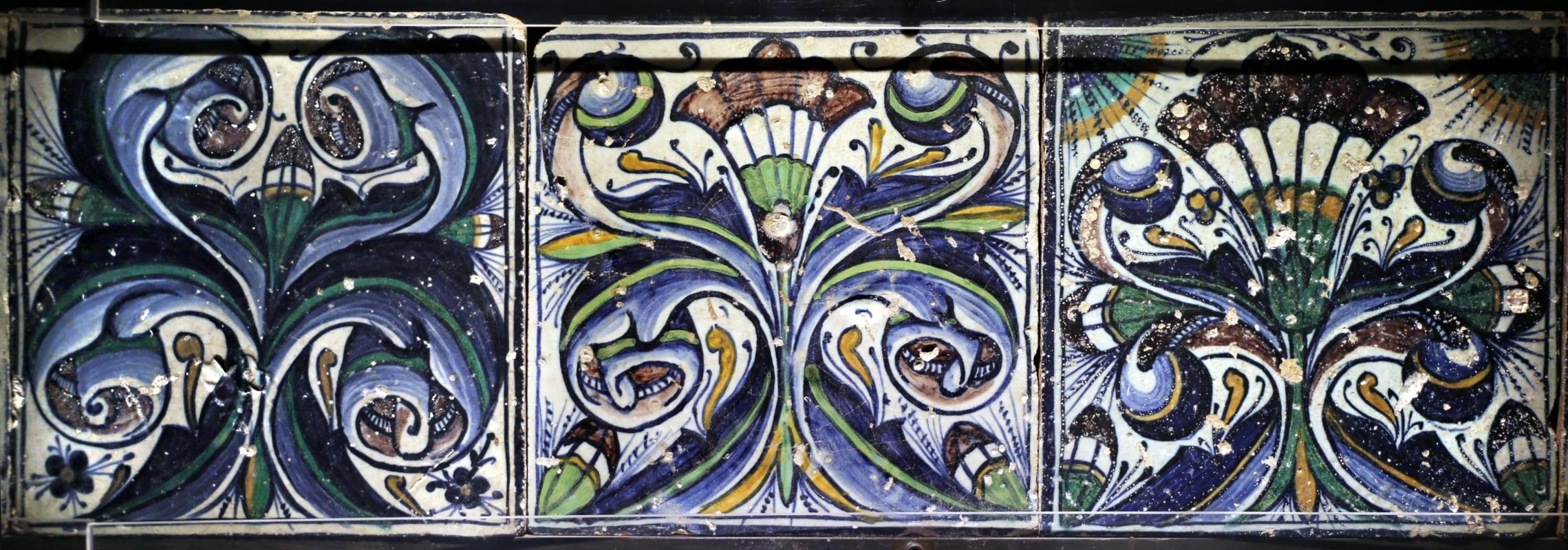 Bottega pesarese, pavimento maiolicato dal monastero di san paolo a parma, 1470-82 ca., volute vegetali - Sailko - Parma (PR)