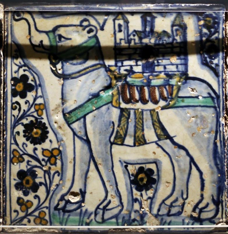 Bottega pesarese, pavimento maiolicato dal monastero di san paolo a parma, 1470-82 ca., elefante con castello sulle spalle - Sailko - Parma (PR)