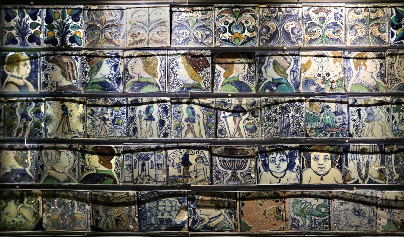 Bottega pesarese, pavimento maiolicato dal monastero di san paolo a parma, 1470-82 ca., 04 - Sailko - Parma (PR)