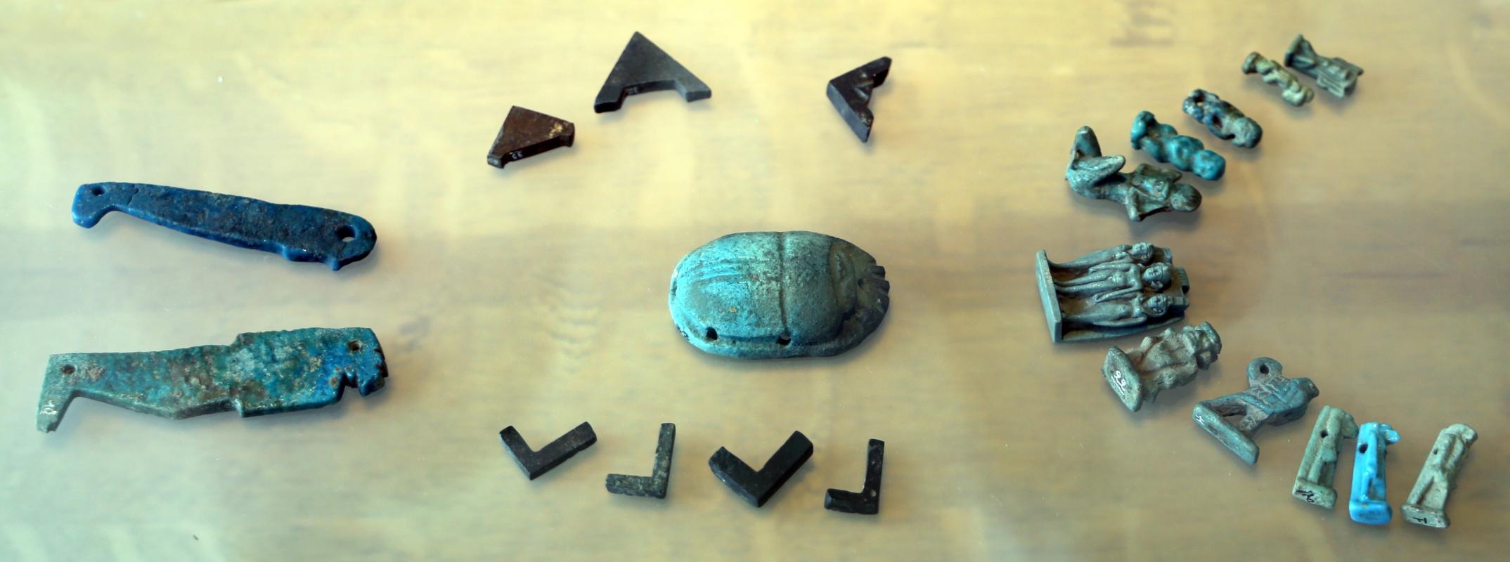 Epoca tolemaica, amuleti in faience, statuette e scarabeo - Sailko - Parma (PR)