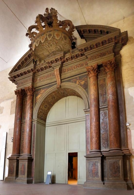 Teatro farnese, portale ligneo d'ingresso con la corona ducale - Sailko - Parma (PR)