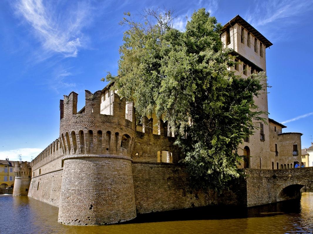 Ingresso della Rocca Sanvitale - Carlo grifone - Fontanellato (PR)