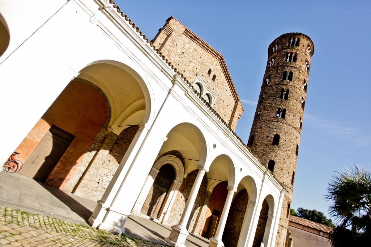 Basilica di Sant'Apollinare Nuovo propettiva - Mario Casadio - Ravenna (RA)