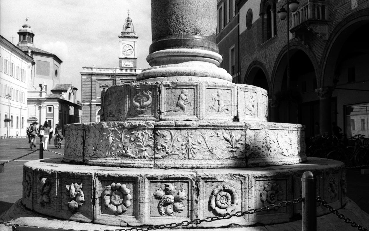Ravenna - Basamento di una delle due colonne veneziane - Emanuele Schembri - Ravenna (RA)