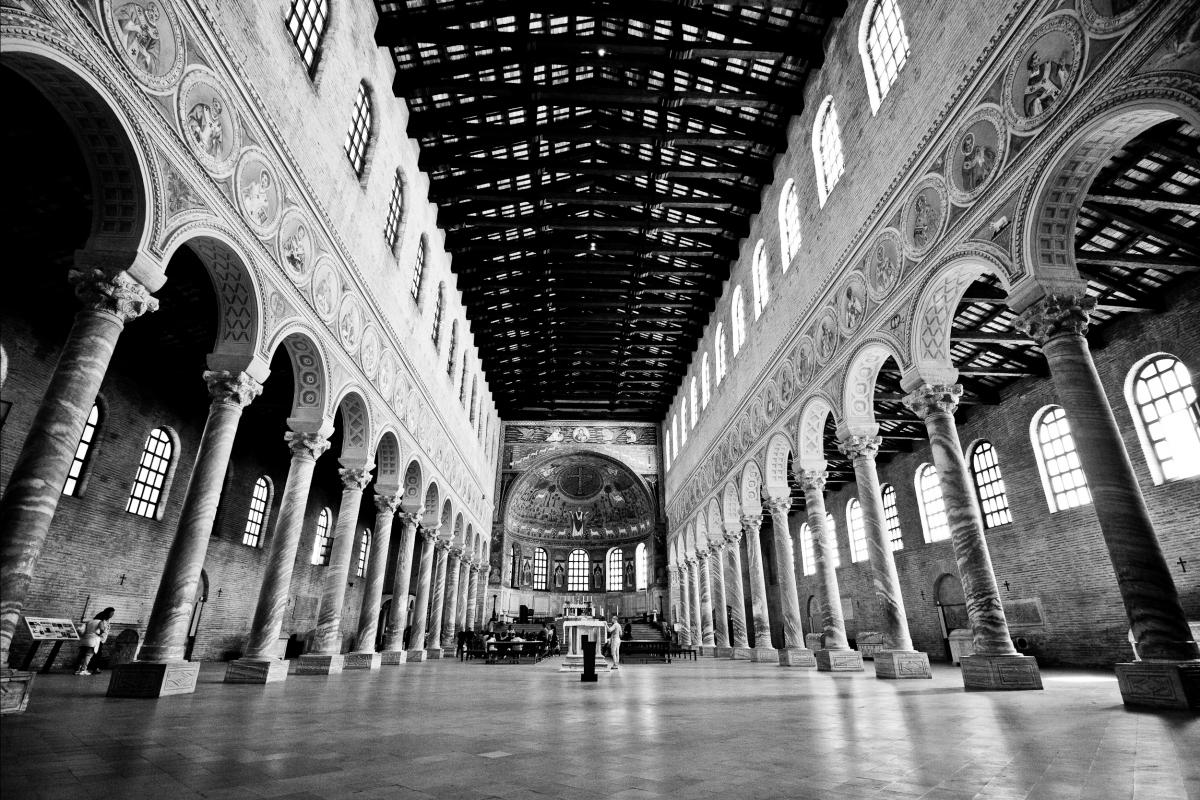 Al centro della navata - Jessica Fraccaroli - Ravenna (RA)