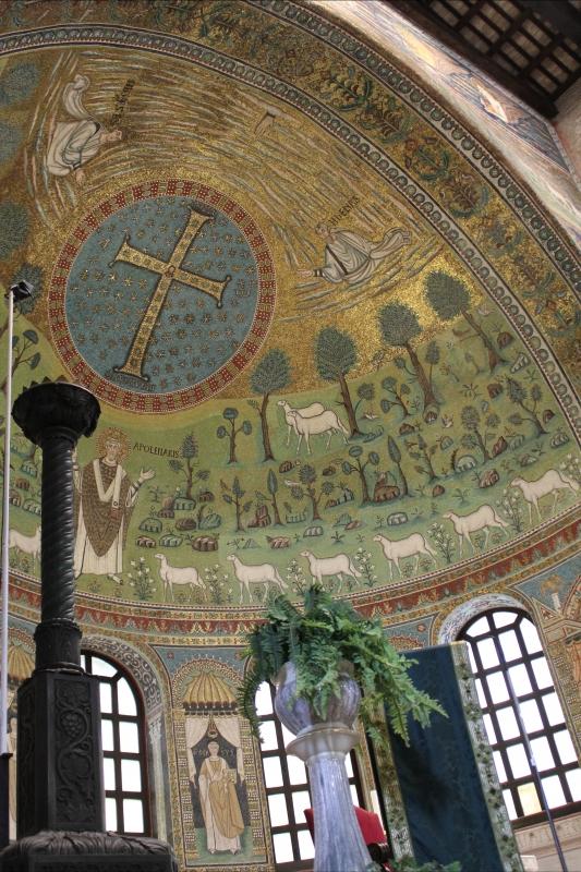 Particolare altare e presbiterio - Sant'Apollinare in Classe - Chiara Dobro - Ravenna (RA)