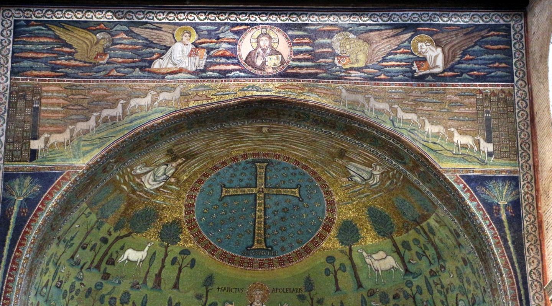 Sant'apollinare in classe, mosaici dell'arcone, cristo benedicente tra i simboli degli evangelisti (IX sec.) e 12 agnelli che escono da gerusalemme e betlemme (VII sec.) 01 - Sailko - Ravenna (RA)