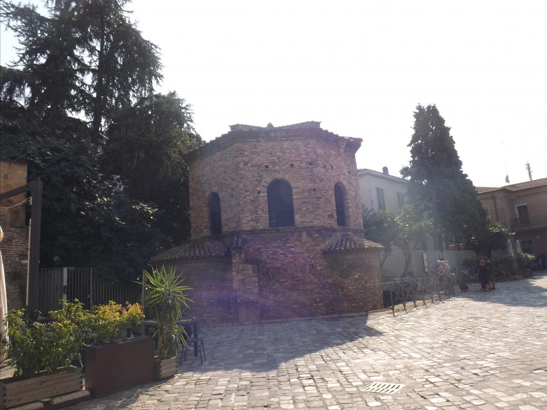 Battistero degli Ariani, esterno - Cristina Cumbo - Ravenna (RA)