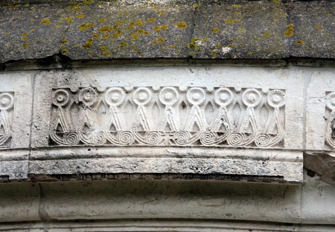 Mausoleo di teodorico, esterno, fregio a tenaglia 03 - Sailko - Ravenna (RA)