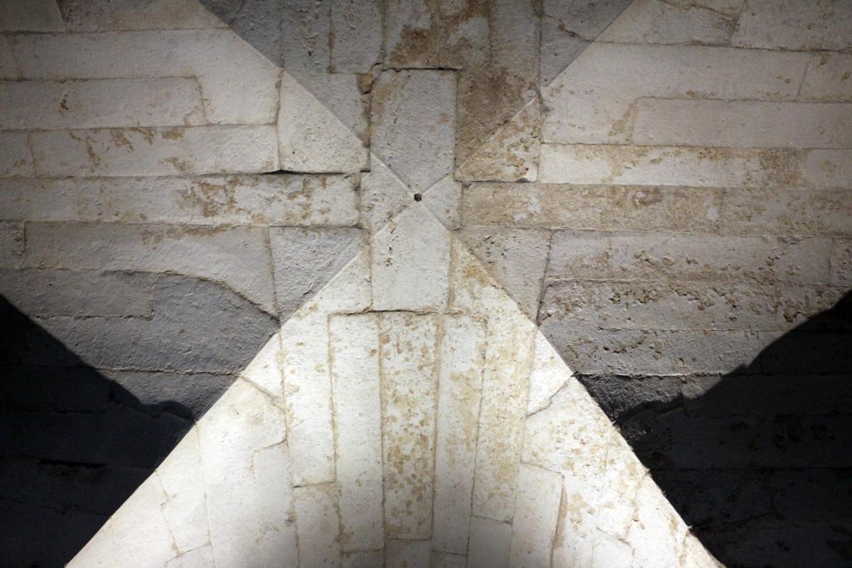 Mausoleo di teodorico, interno, camera inferiore, 02 volta - Sailko - Ravenna (RA)