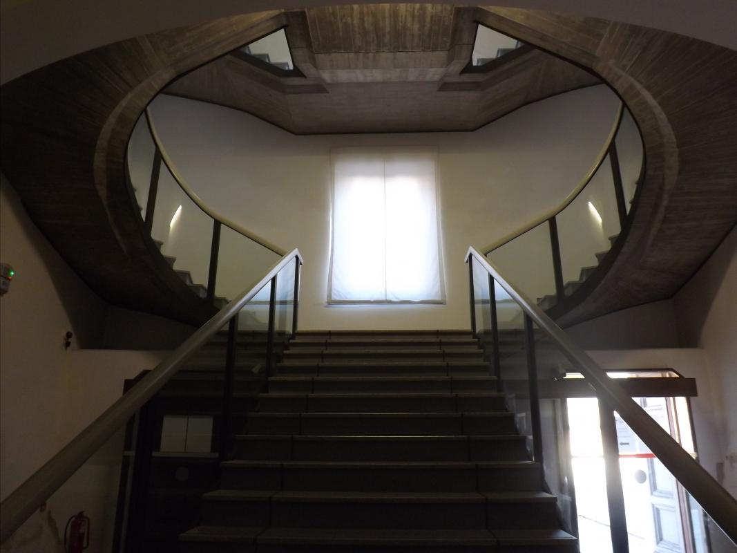 Scalone interno, vicino alla ex biglietteria - Cristina Cumbo - Ravenna (RA)