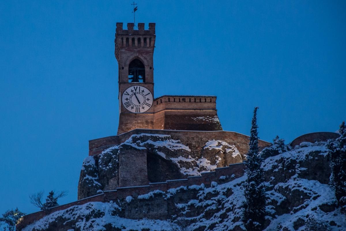 Torre dell'orologio di Brisighella nell'ora blu - Vanni Lazzari - Brisighella (RA)