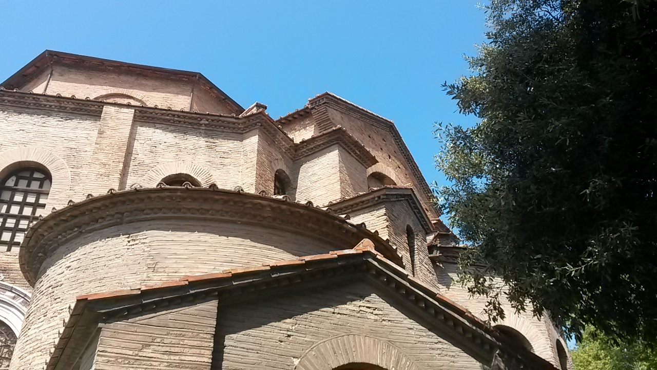 Volumi ascendenti - Marco Musmeci - Ravenna (RA)