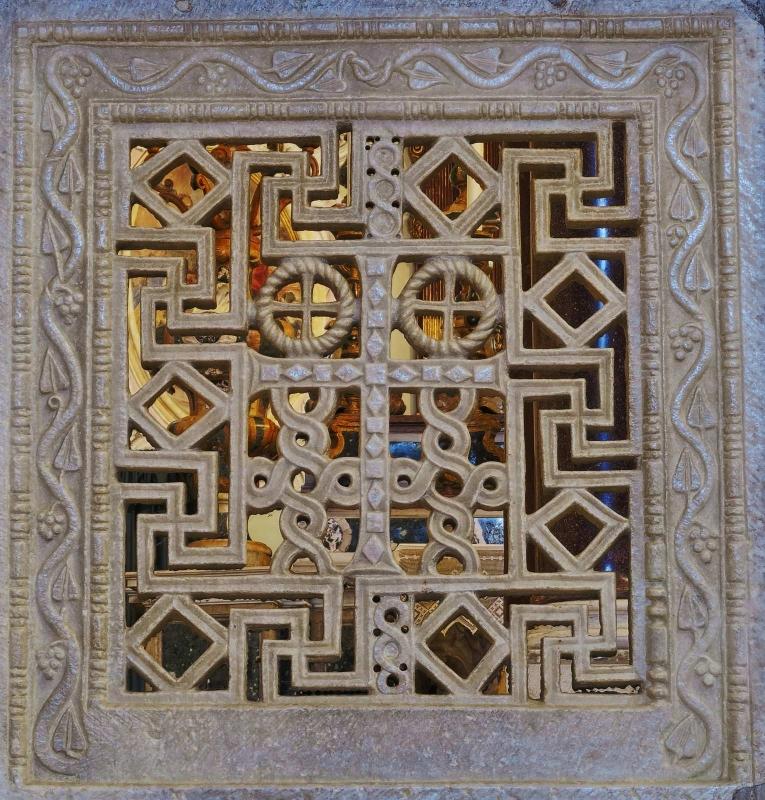 Transenna dell'altare maggiore, dettaglio - MikiRa70 - Ravenna (RA)