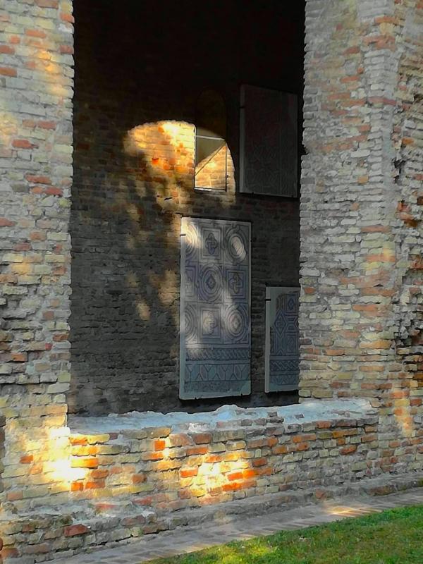 Chiesa di San Salvatore ad Chalchis-cosidetto Palazzo di Teodorico mosaico in vista - CesaEri - Ravenna (RA)