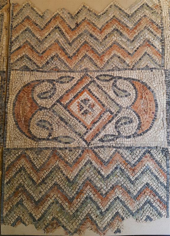 Chiesa di San Salvatore ad Chalchis cosiddetto Palazzo di Teodorico dettaglio pavimento musivo4 - Opi1010 - Ravenna (RA)