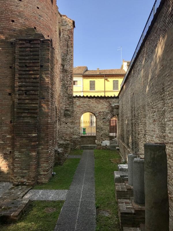 Palazzo di Teodorico-vialetto - Emilia giord - Ravenna (RA)