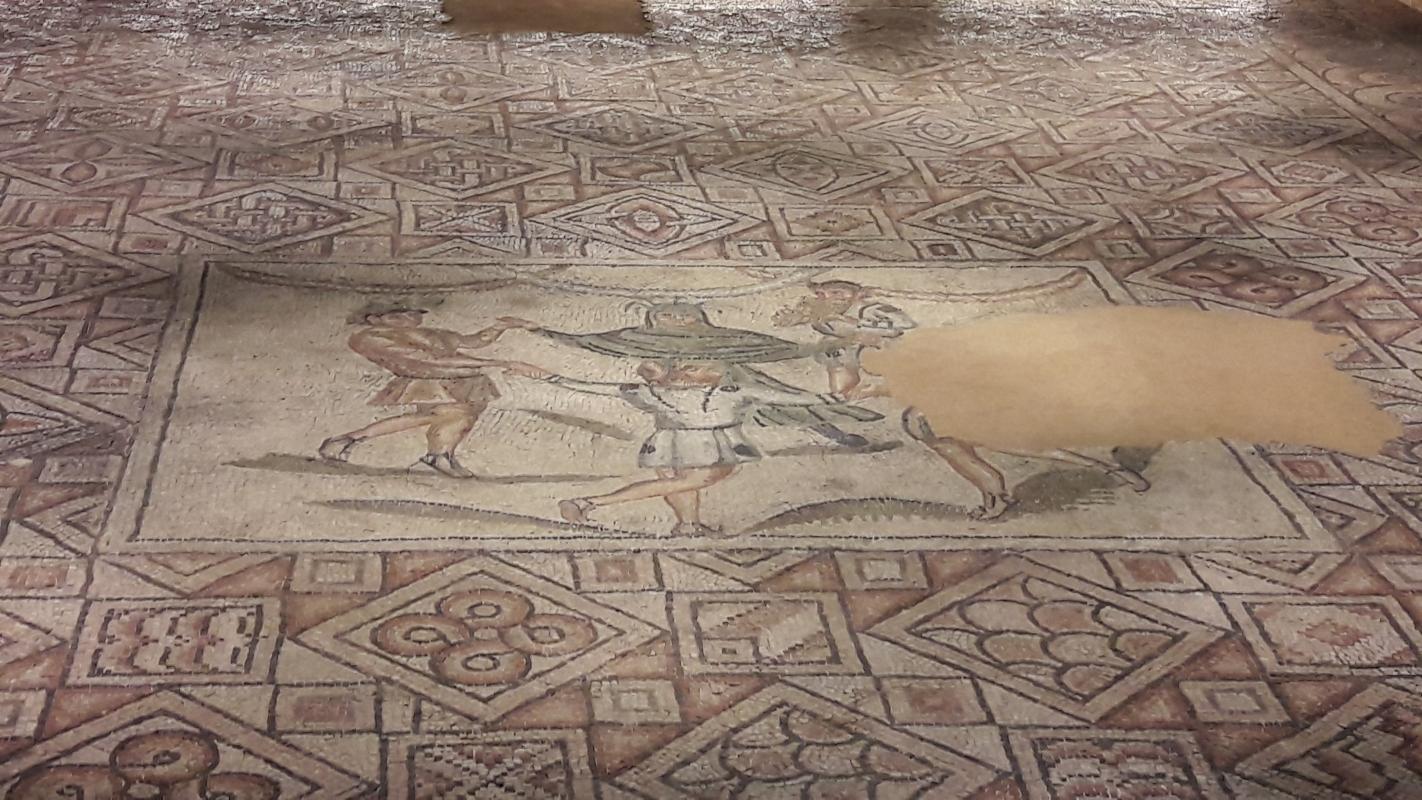 Ravenna - Domus tappeti di pietra - Mosaico centrale (ricostruzione) - Ysogo - Ravenna (RA)
