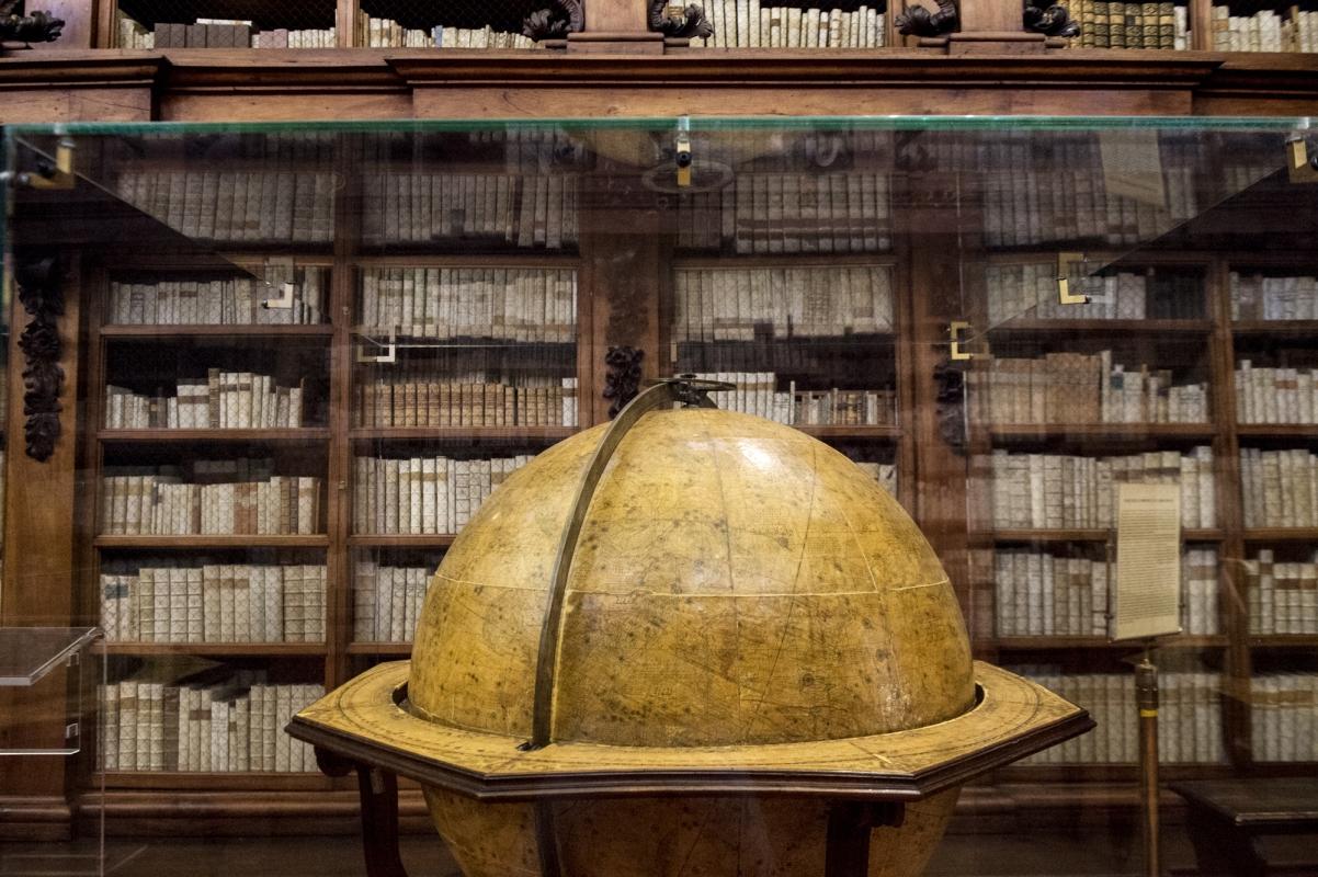 Aula magna con mappamondo - Domenico Bressan - Ravenna (RA)