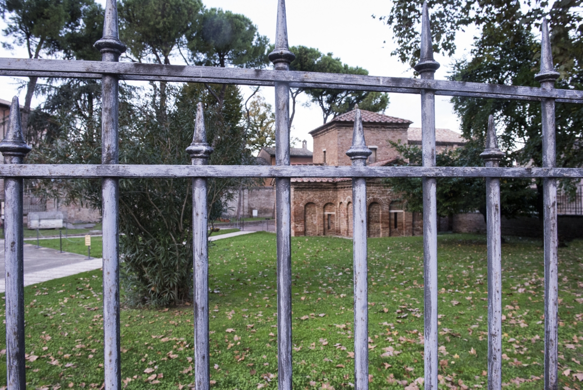 Attraverso le sbarre - Domenico Bressan - Ravenna (RA)