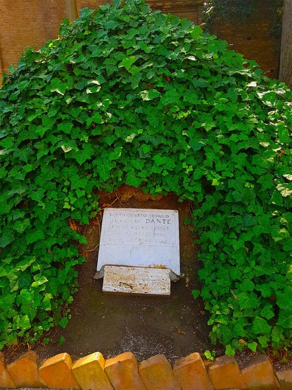 Tomba di Dante in giardino - Opi1010 - Ravenna (RA)
