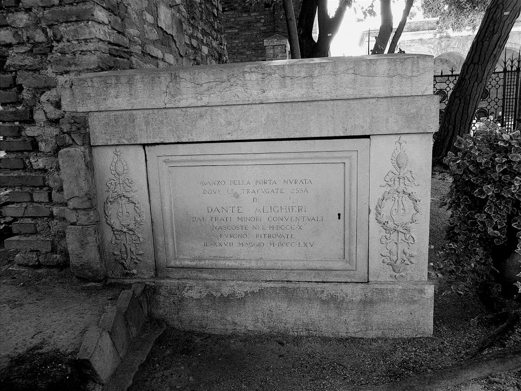 Tomba di Dante bianco e nero - Opi1010 - Ravenna (RA)