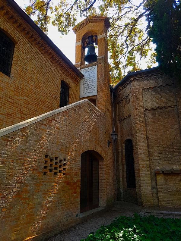 Tomba di Dante laterale - Opi1010 - Ravenna (RA)
