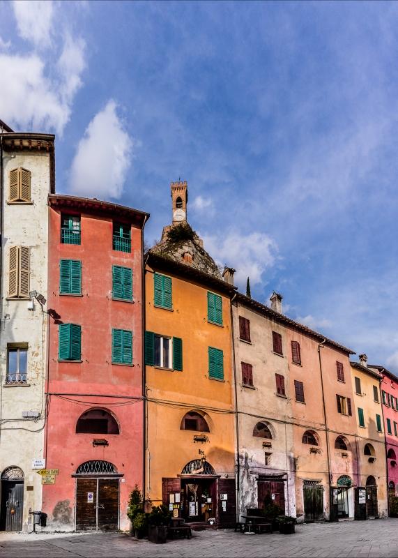 Torre dell'orologio vista da via del Borgo - Vanni Lazzari - Brisighella (RA)