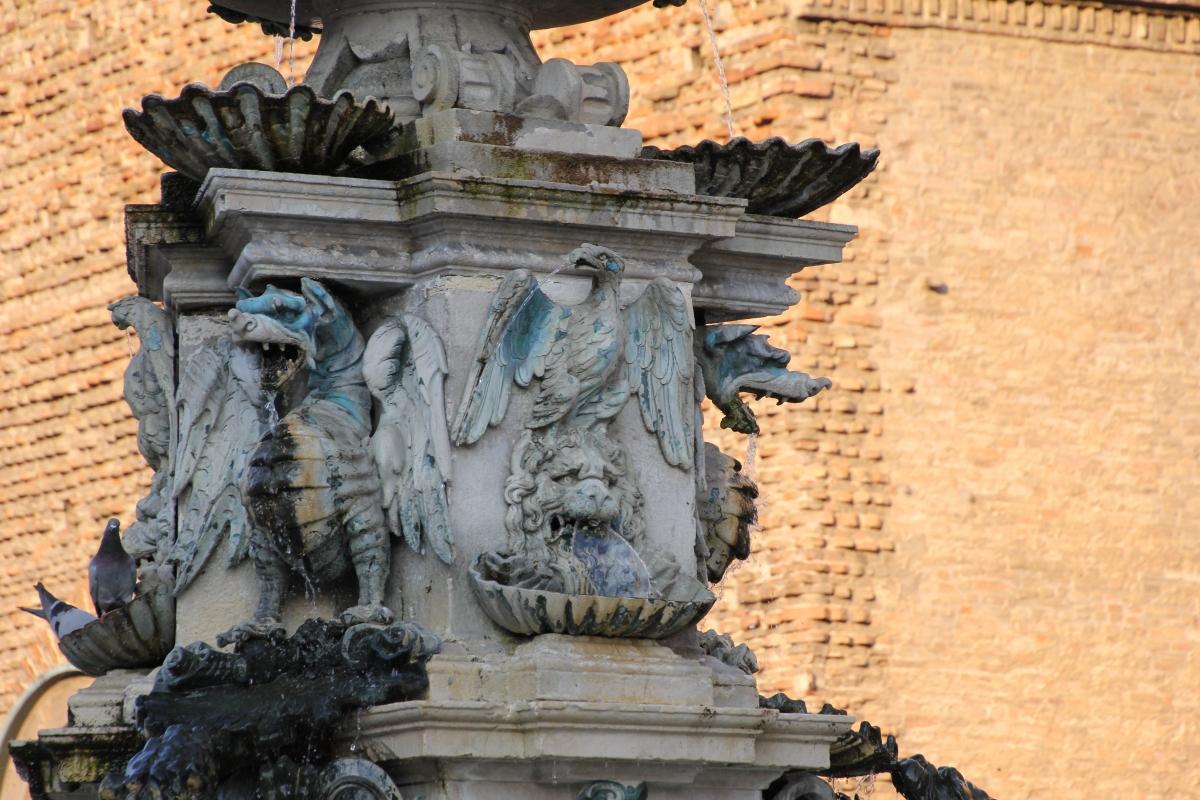 Faenza, fontana monumentale (05) - Gianni Careddu - Faenza (RA)
