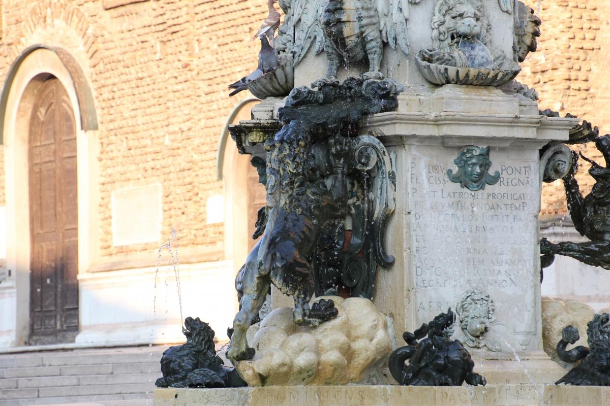 Faenza, fontana monumentale (06) - Gianni Careddu - Faenza (RA)