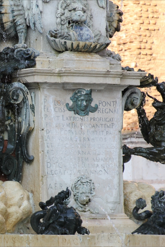 Faenza, fontana monumentale (07) - Gianni Careddu - Faenza (RA)