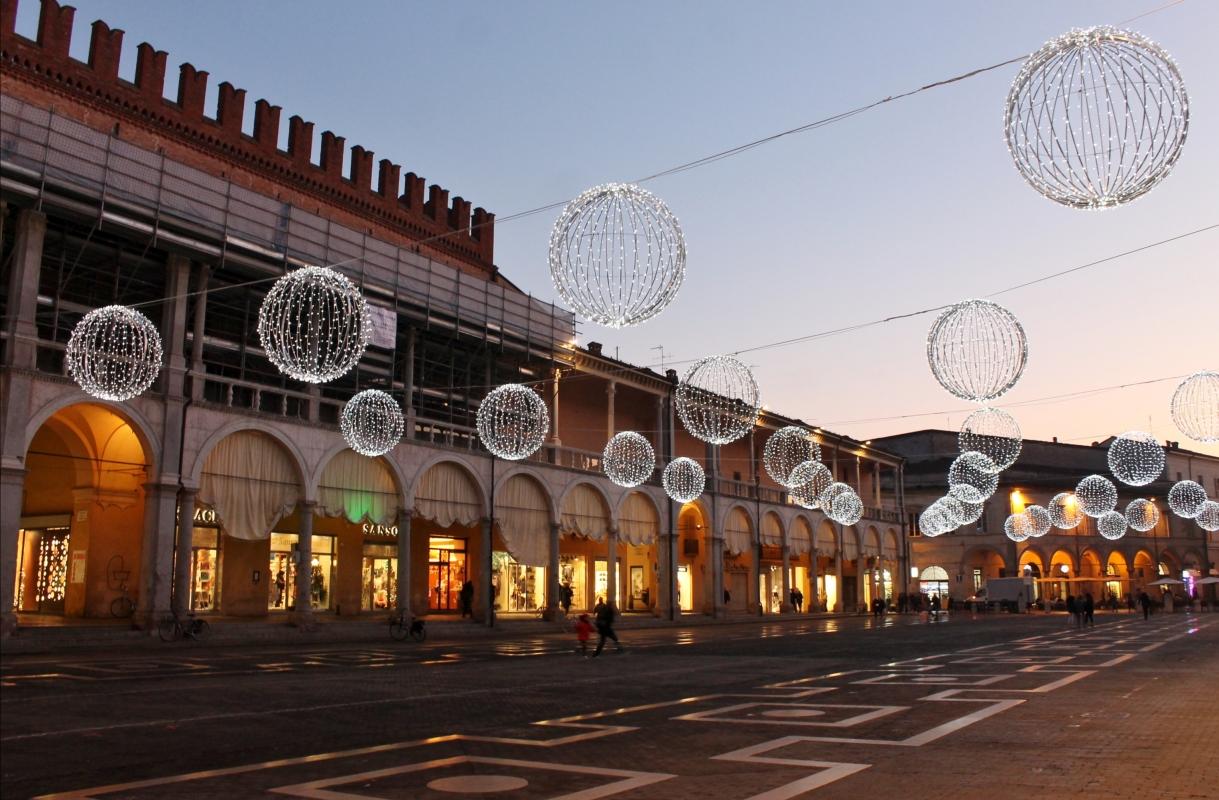 Faenza, Palazzo Comunale e piazza - RobertaSavolini - Faenza (RA)