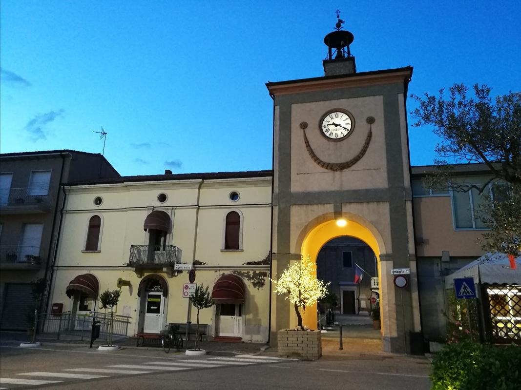 Torre civica (o Torre dell'Orologio) - Sant'Agata sul Santerno (RA) 2 - Enea Emiliani - Sant'Agata sul Santerno (RA)