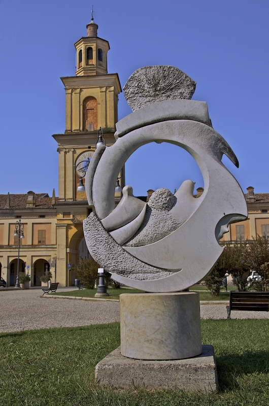 La Torre Civica che caratterizza la piazza Bentivoglio - Caba2011 - Gualtieri (RE)