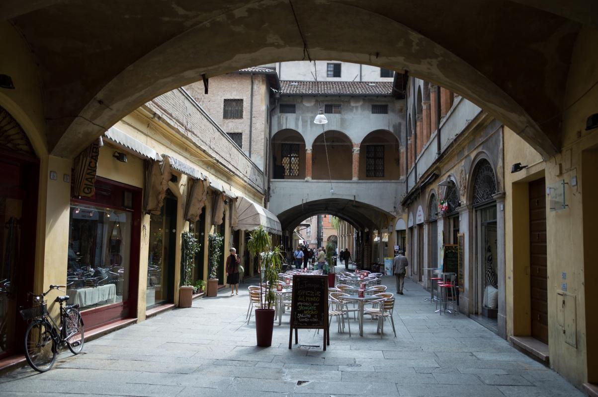 Portico del Broletto (2) - Alessandro Azzolini - Reggio nell'Emilia (RE)