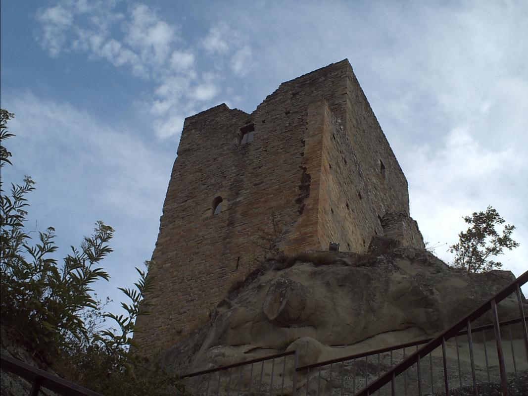 Torre dal basso lato nord - Manuel.frassinetti - Carpineti (RE)