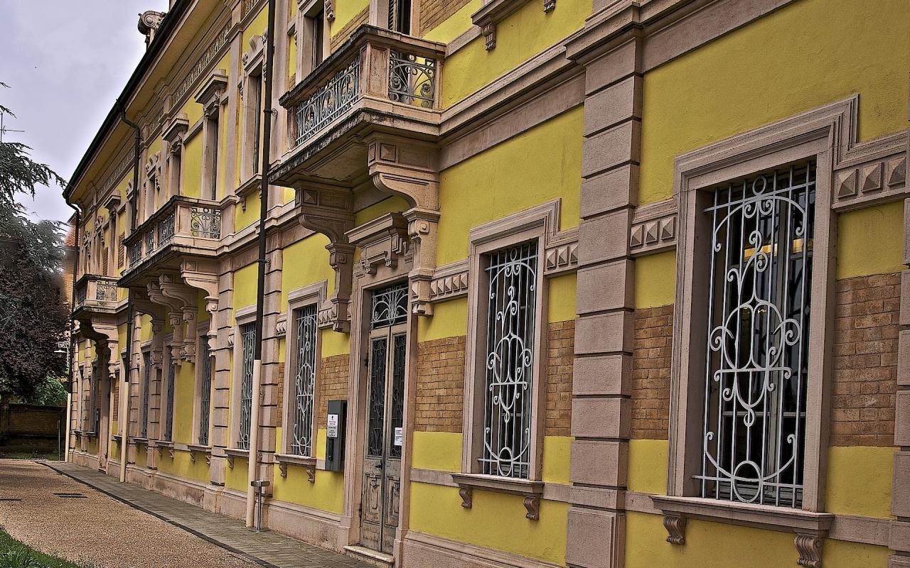 Ingresso uffici ex stabilimento Locatelli - Caba2011 - Reggio nell'Emilia (RE)