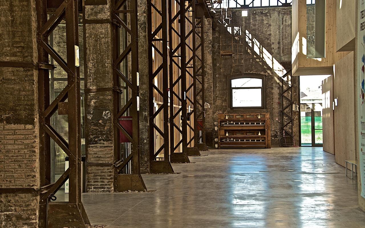 Corridoio interno al Tecnopolo - Caba2011 - Reggio nell'Emilia (RE)