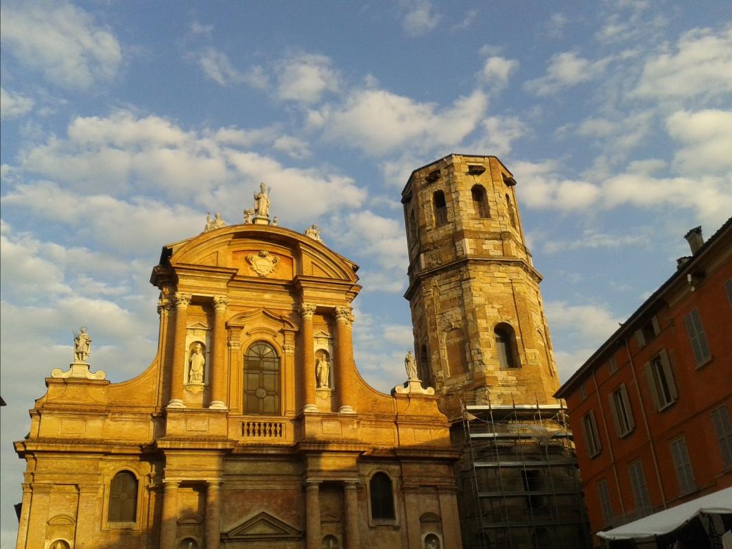 La facciata al tramonto - Rossella-reggio - Reggio nell'Emilia (RE)